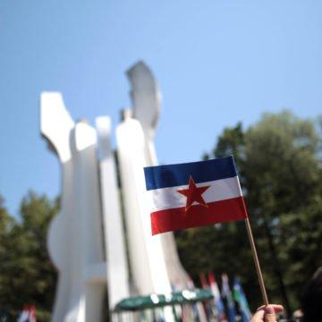 Godišnjica propale diktature: Nostalgične Novosti donijele 22 stranice hvalospjeva o Jugoslaviji