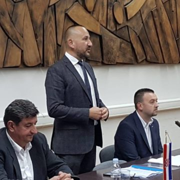 """Hrvatski bedem: """"Hrvatska postaje hot spot za migrante, ali Plenković misli glavom Angele Merkel"""""""
