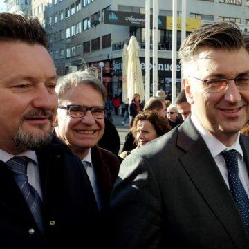 HDZ teškom artiljerijom napada Hasanbegovića: Kuščević tvrdi da je upravo zbog njega zabranjena misa na Bleiburgu