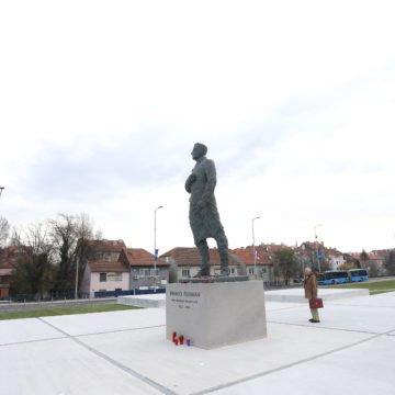 Ekstremni ljevičari skupljaju novac za vandala koji je prešarao Tuđmanov spomenik