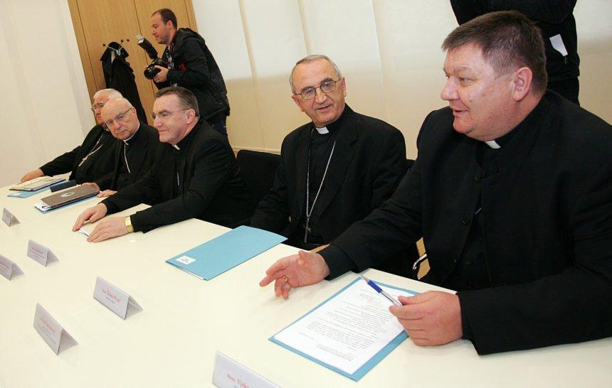 """Biskupi poslali """"izborno pismo"""" vjernicima: Jesu li Crkvi Škoro i Most bliži od HDZ-a?"""