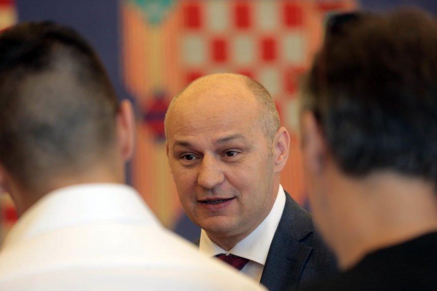 Mislav Kolakušić uzvraća udarac svojim kritičarima: Otkrio zašto ga napadaju sudački moćnici Turudić, Sessa i Radić
