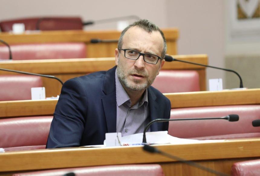 Sladoljev: Bandić prima Arkanovca Palmu, a Mamić je sretan što se rukuje sa Šešeljevim pobočnikom Vučićem