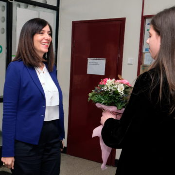Skandal na Jabukovcu: Ministrica Divjak dočekana kao Tito, ali dječjoj pravobraniteljici to nije sporno