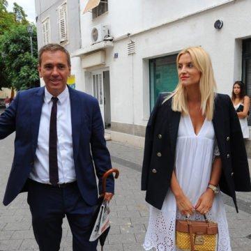 """Viktor Ivančić osuđen zbog teksta """"Dva svinjčeta"""" u kojem je izvrijeđao Roberta Pauletića"""