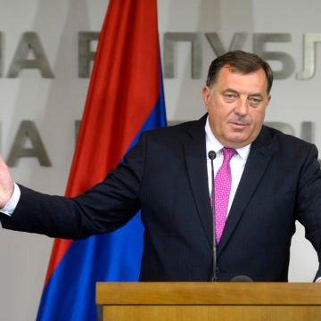 Prijetnja s mafijaškim potpisom: Napadnut najveći kritičar Milorada Dodika