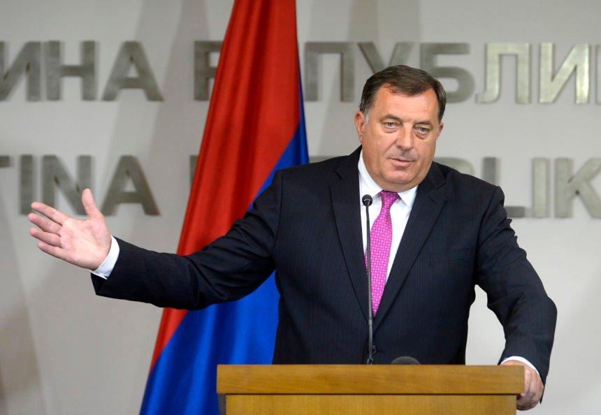 Zastupnik Srbin iz Banje Luke: Bok predsjedniče, kaj se dela? Dodik: Idi ti u neku stvar