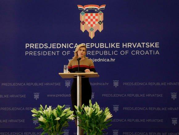 Kolinda u defanzivi: Pomirljiva prema Plenkoviću, često mijenja mišljenje, a za svoje propuste okrivljuje druge