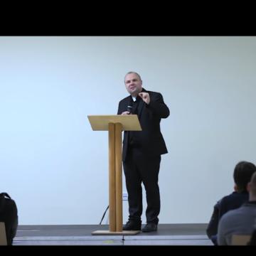 Don Damir Stojić: Katolička crkva ne želi potisnuti seksualnu čežnju ili nagon