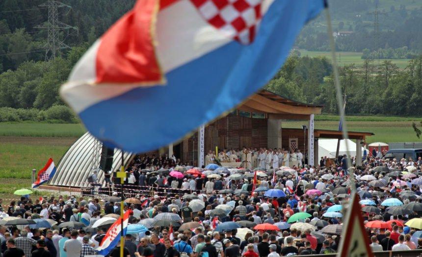 Misa na Bleiburgu: Tko je koruški svećenik koji se suprotstavio hrvatskim biskupima?