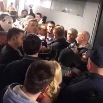 Demonstranti upali u Radio televiziju Srbije: Je li Vučić u opasnosti?