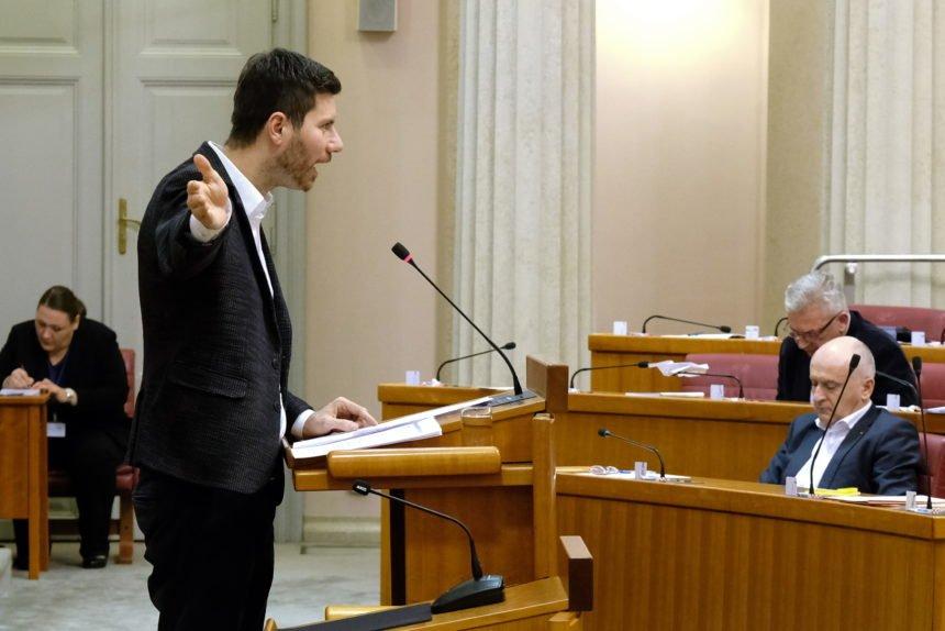 Bivši zastupnik Ivan Pernar  ima zanimljivu teoriju o tome zašto je Bandić doživio srčani udar