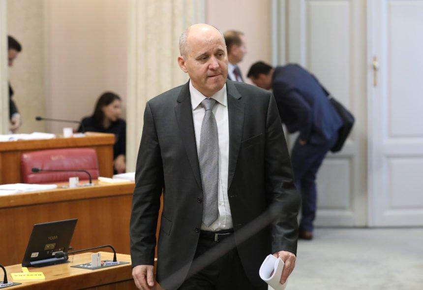 Branko Bačić nije isključio sankcije protiv Brkića: Zašto mu ne smetaju kazneni postupci protiv Kalmete?