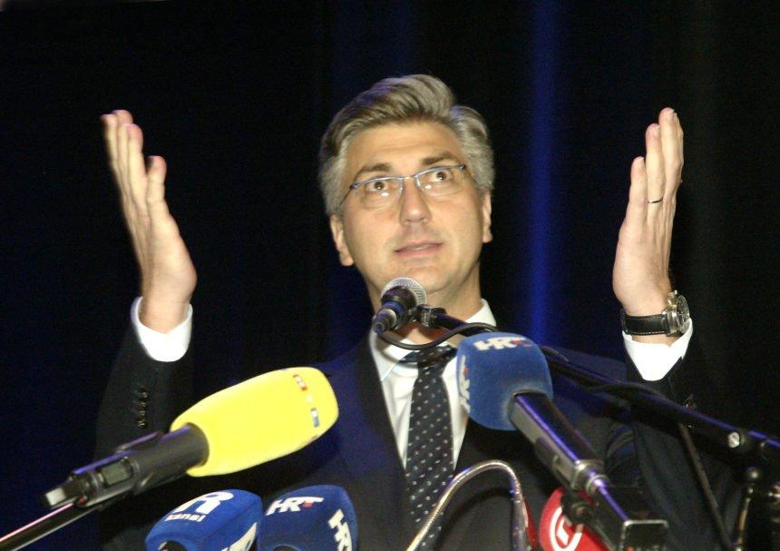 Premijer Plenković je jako nervozan: Posebno ga iživciralo pitanje o njegovu ocu