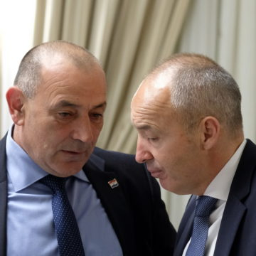 Potreseni Damir Krstičević: Nema gore stvari od stradavanja vojnika, spreman sam preuzeti političku odgovornost