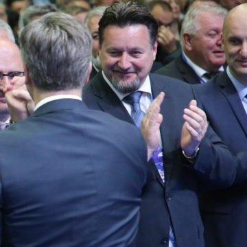 Kuščevićeva formula za bogaćenje: Supruga kupi pašnjak, suprug sredi prenamjenu i eto zarade od 2,8 milijun kuna