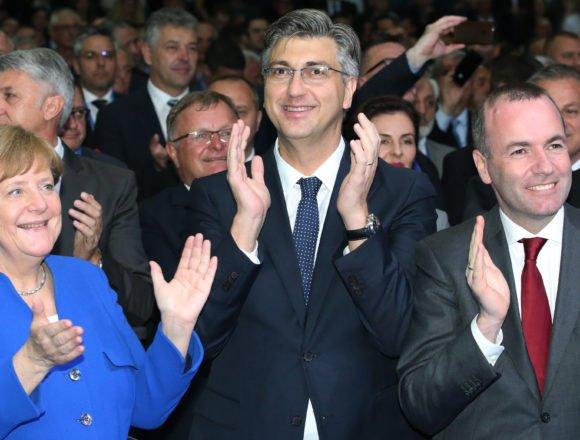 """Kako će ovu vijest komentirati Plenković: """"Prestara"""" Angela Merkel neće se cijepiti AstraZenecom"""