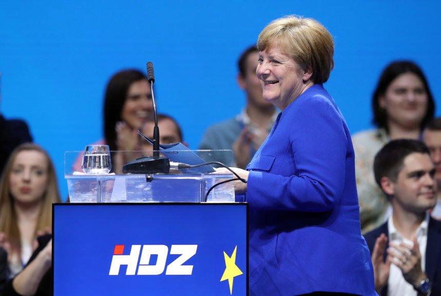 """Suprotstavlja se nacionalizmu: Angela Merkel se očitovala o Thompsonovoj pjesmi """"Lijepa li si"""""""