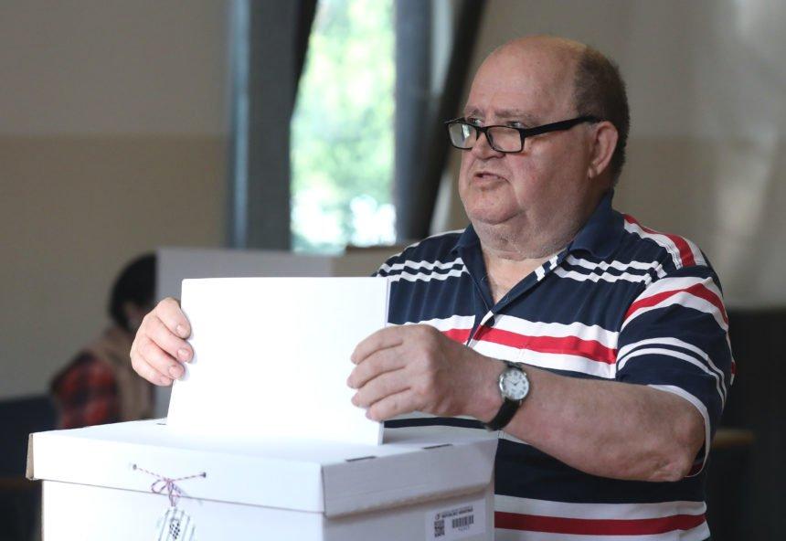 Na birališta izlazi veći postotak birača nego prije pet godina: Tko će profitirati?