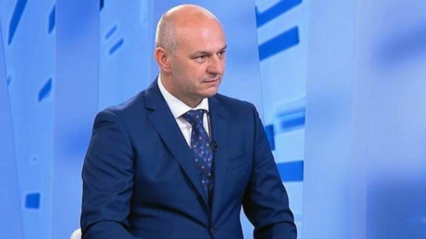 Dosad najzanimljiviji intervju s Kolakušićem: Nacionalizam je za njega pozitivan, što misli o abortusu, odbio odgovoriti na neka pitanja