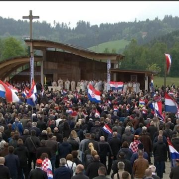 Komemoracija u Bleiburgu bez incidenta: Ovdje smo zbog onih koje volimo
