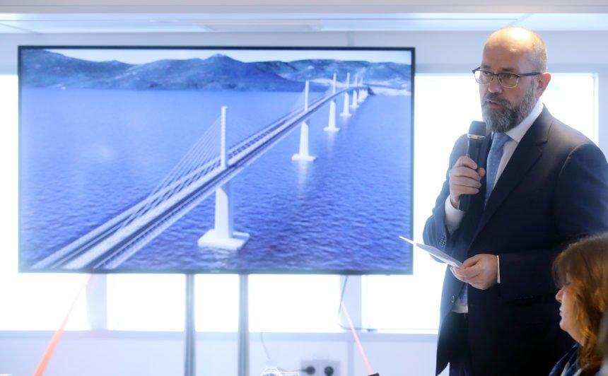 Hrvatske ceste 15 mjeseci razvlače natječaj za prilazne ceste Pelješkom mostu: Jesu li pogodovale moćnom Strabagu?
