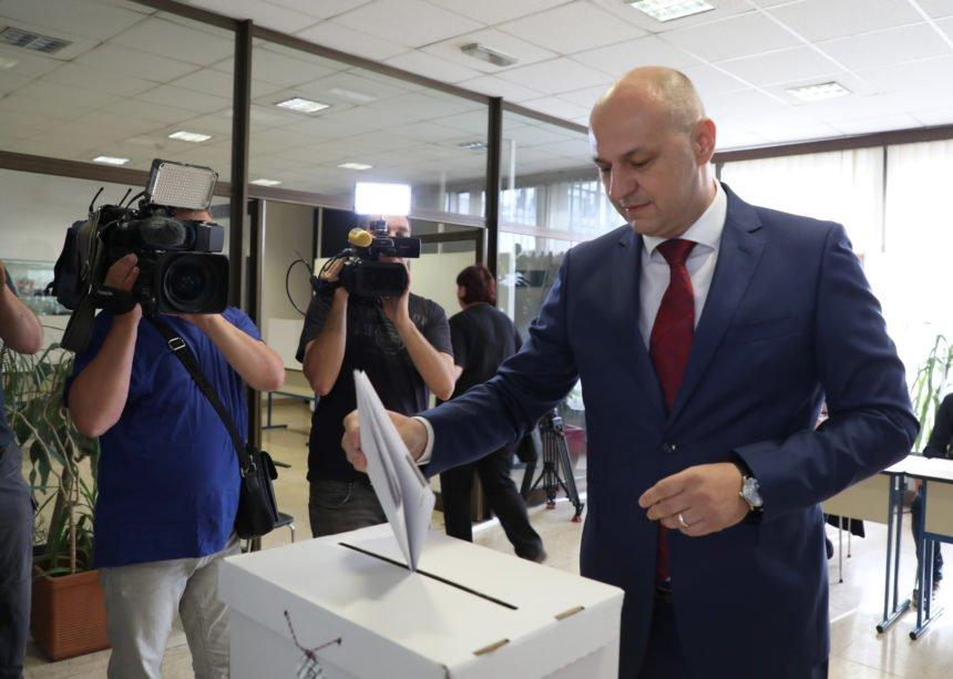 Hrvatska u potrazi za svojim Vladimirom Putinom: Hoće li to biti Kolakušić ili možda Škoro?