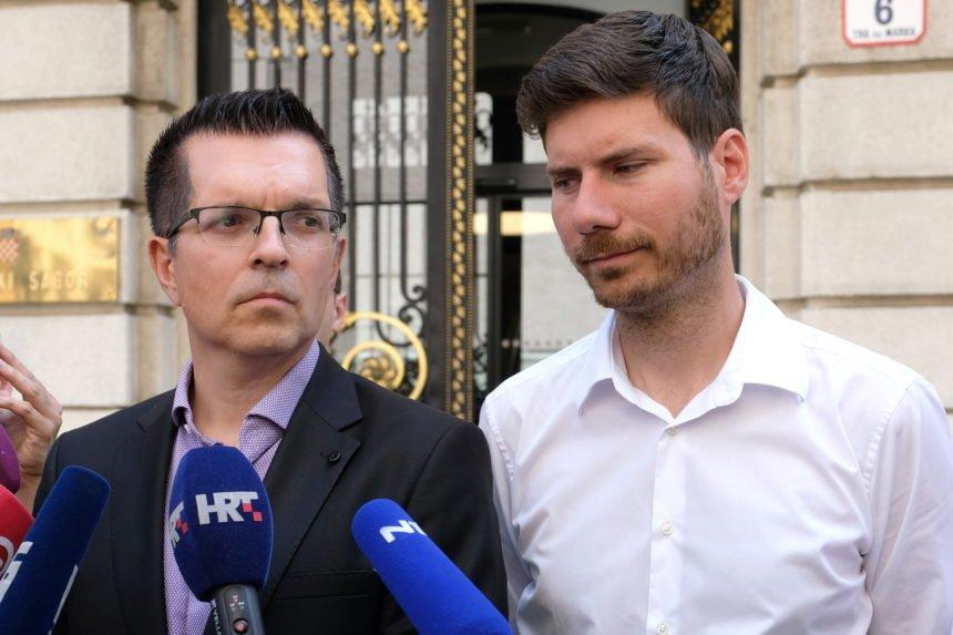 """Zašto je važna saborska plaća: Branimir Bunjac i supruga imaju čak sedam kredita, """"grcaju u dugovima"""""""