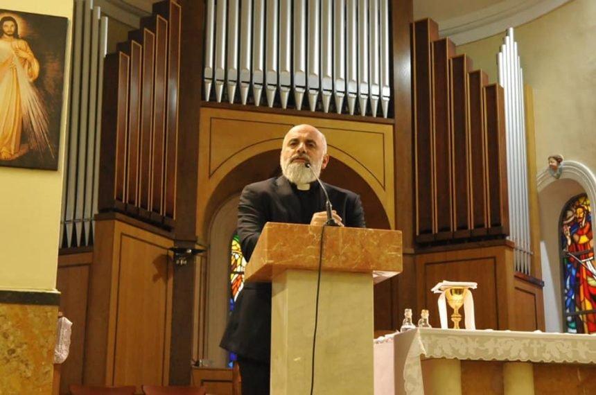 Pater Ike Mandurić pretjerao s napadom na Kolindu: Isusovci mu zabranili korištenje Facebooka?