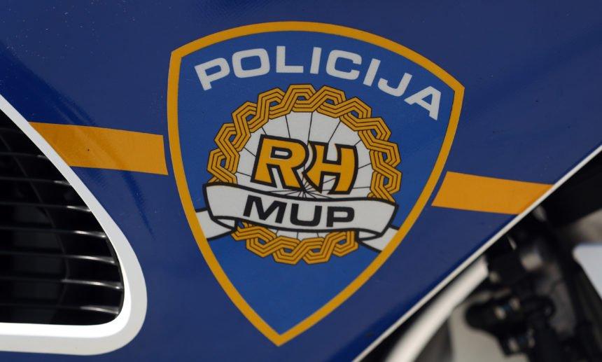 Vozač BMW-a pritvoren: U trenutku kad se zabio u aute na naplatnim kućicama bio je drogiran i razgovarao je na telefon