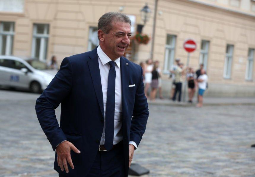 Plenković želio izbjeći izbore? Lički HDZ podržao Milinovićev proračun