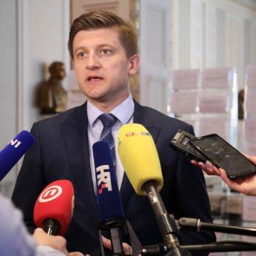 Marić sasjekao Kujundžićeve prijedloge: Zdravstvu su potrebne reforme, ne novi nameti