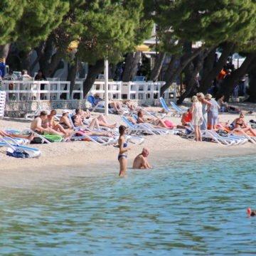 Trenutačno u Hrvatskoj radi oko 23.000 stranaca: Koliko je sezonaca iz Srbije?
