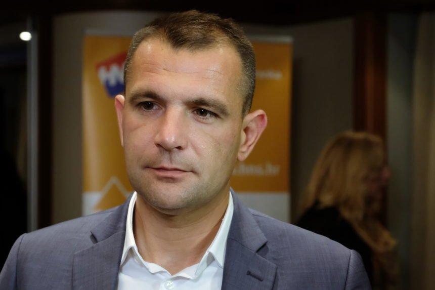 Politički labirint: Posavec u dogovoru s Bernardićem i Čačićem ruši koaliciju Plenkovića i Vrdoljaka