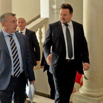 """HNS još nije spreman napustiti koaliciju. Odgođena sjednica vlade. Štromar: """"S premijerom ćemo razgovarati drugi tjedan"""""""