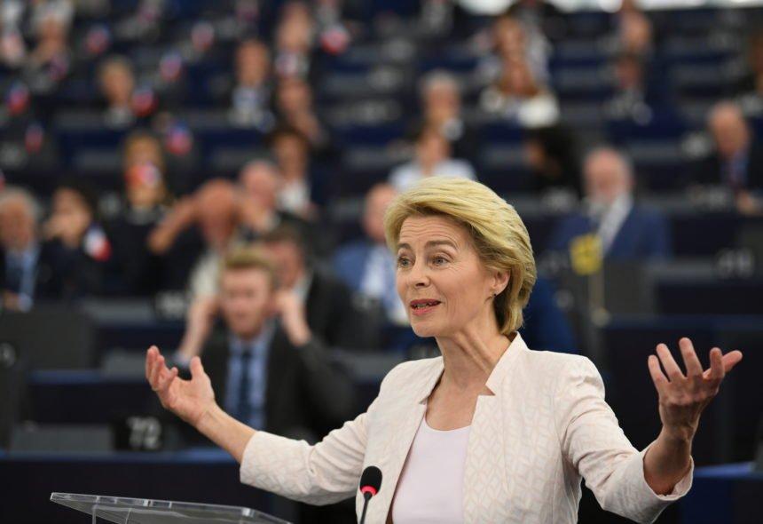 """Plenković  je """"progurao"""" Ursulu von der Leyen na čelo Europske komisije: Sada očekuje da mu vrati uslugu"""