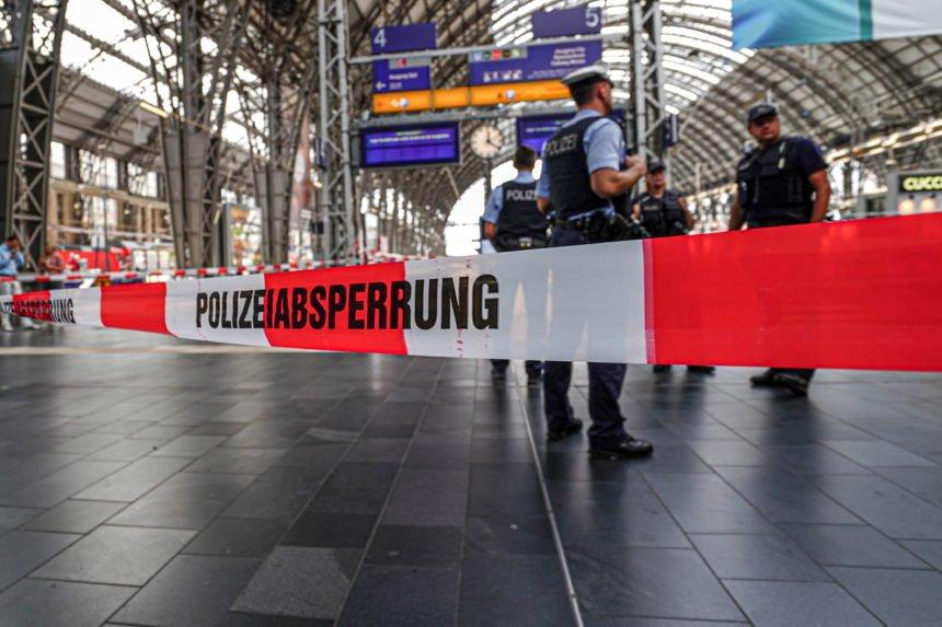 Eritrejac gurnuo majku s djetetom pod tračnice: Zašto njemački mediji pišu jako stidljivo o tom zločinu?