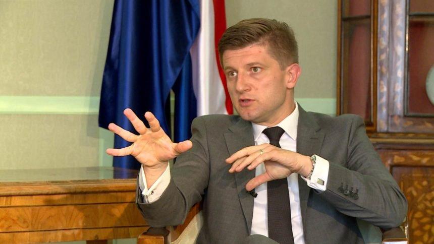 Potpredsjednik Vlade Zdravko Marić izaziva hrvatsku javnost: Ne odričem se svojih prijatelja Ivice Todorića i  Jollyja
