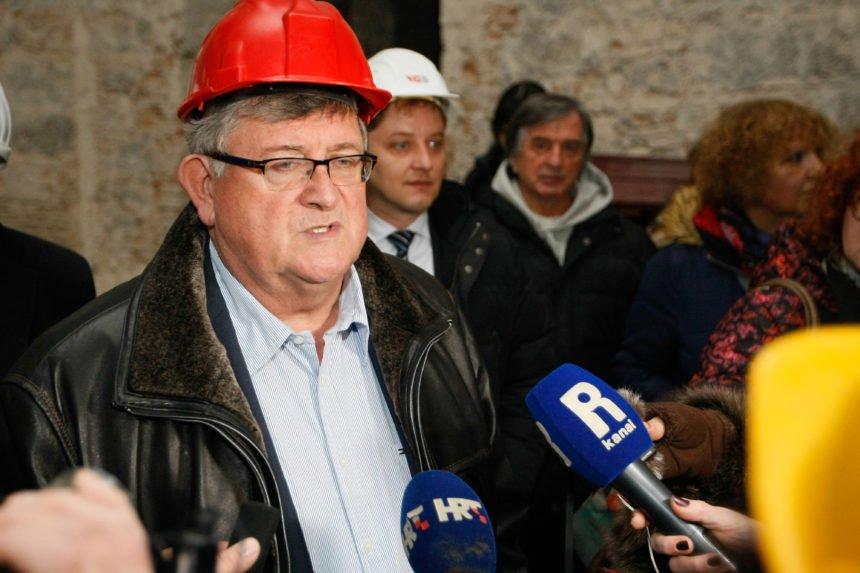 """""""Galeb"""" je definitivno propao, jedini izlaz je Obersnelova ostavka: Riječka oporba reagira na ponude Lenca i Dalmonta"""