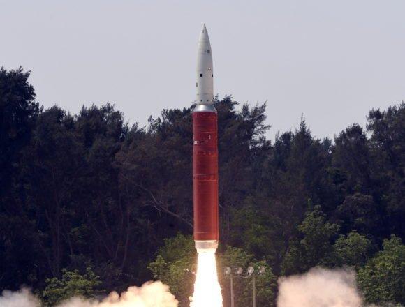 Nuklearne sile na rubu rata: Muslimani Kašmira u otvorenoj pobuni, Pakistan Indiji prijeti odmazdom