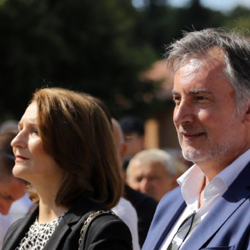 Škoro i supruga protiv Stiera i HDZ-a: Na ljutu politiku odgovorili ljutim paprikašom i domaćim rezancima