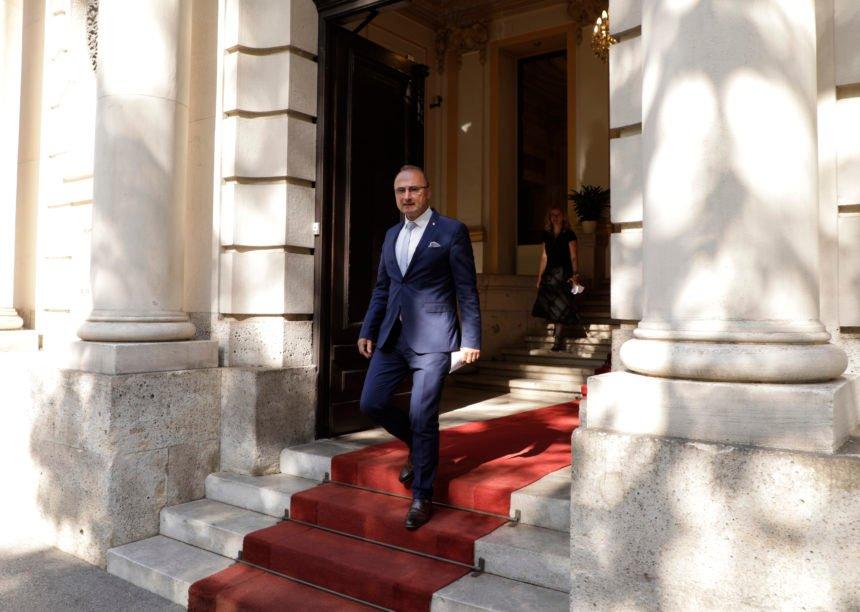 Kako je ministar Grlić Radman došao do 11 nekretnina i vrijednih dionica: Superbogati ministar raspolaže imovinom od 28.5 milijuna kuna