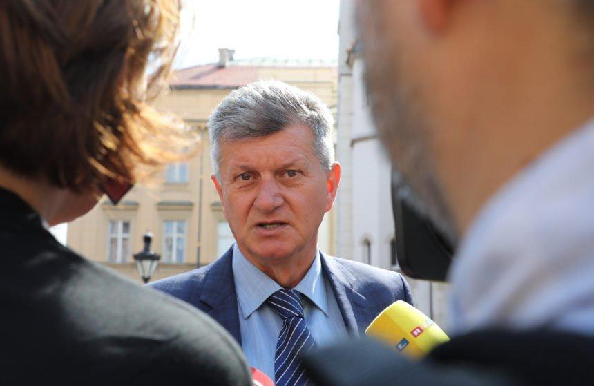 Kujundžić o Plenkovićevim kritikama: Ja sam Hrvat, nitko mene nije lupio po prstima