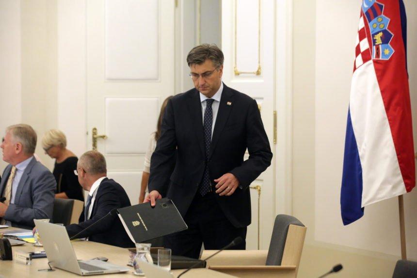 Ponovno napetosti u Vladi: Plenković optužio Kujundžića i Divjak da se ponašaju kao članovi sindikata