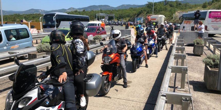 Ponovno problemi na Krčkom mostu: Dobio batine zbog cestarine u lipama?