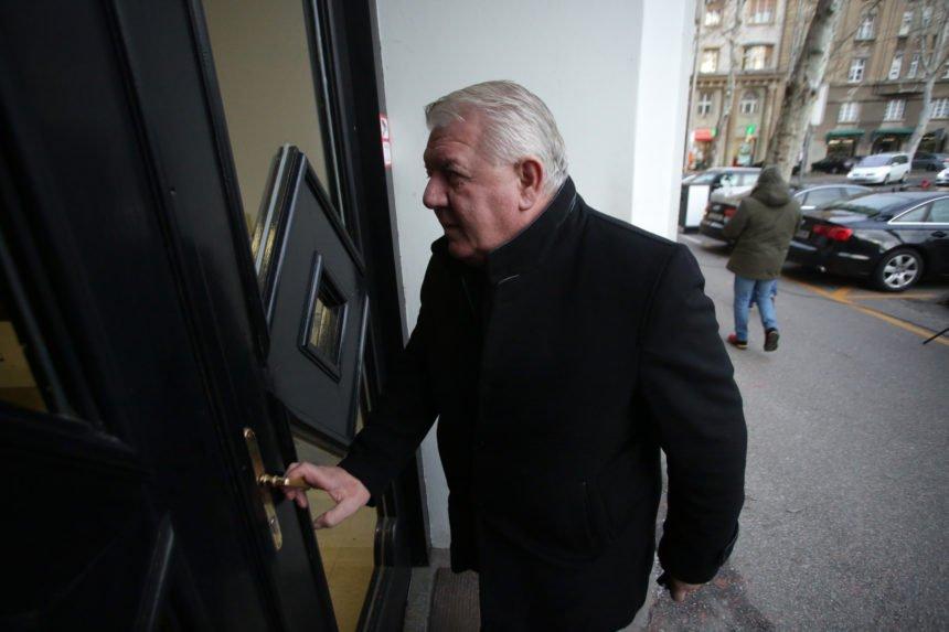 """Đakić izgubio kontrolu nad """"svojim"""" braniteljima: Periša podnio ostavku, Medved ih uvjeravao da ne rade štetu Plenkoviću"""