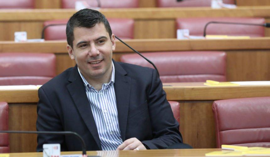 Grmoja primijetio nešto vrlo zanimljivo: Zašto su Peđa Grbin i Orsat Miljenić podržali masona Jelenića