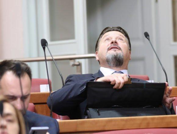 Lovro Kuščević u novim problemima: Jelenić ga progoni jer je izmijenio prostorni plan kako bi sebi osigurao zaradu