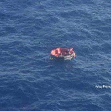 Aktivirana su sva četiri splava: Preživjeli mornari ne znaju jesu li ostali članovi posade uspjeli ući u splav