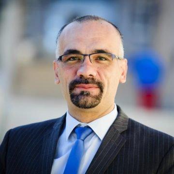"""Kninski gradonačelnik Jelić tvrdi da ga napadaju udbaškim metodama: Je li pogodovao svojoj """"obiteljskoj udruzi"""""""